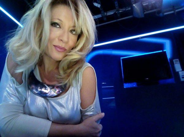 Antonella Caramia indossa il collier Mezzaluna SaviniJewels